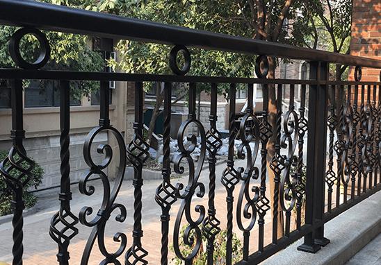 武汉围墙栏杆的安装方法