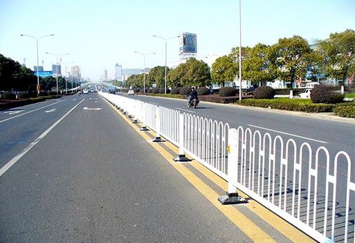 道路护栏工程案例
